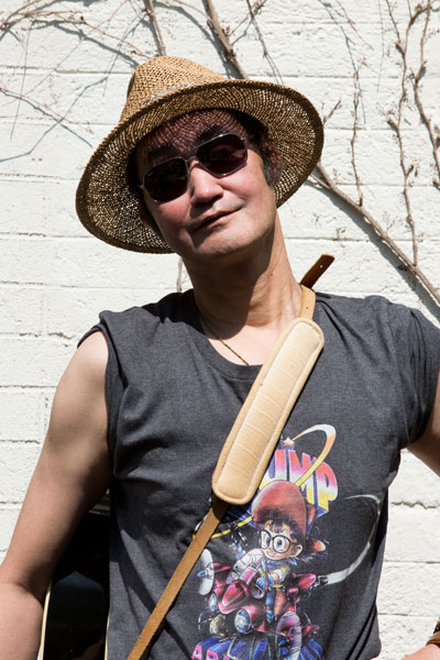 Yuzo-der-Gitarrist-von-Monaco-Fränzy